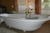 Small Bathtubs, extra small bathtubs, small bathtubs sizes, small bathroom solutions,small bathtubs with shower.